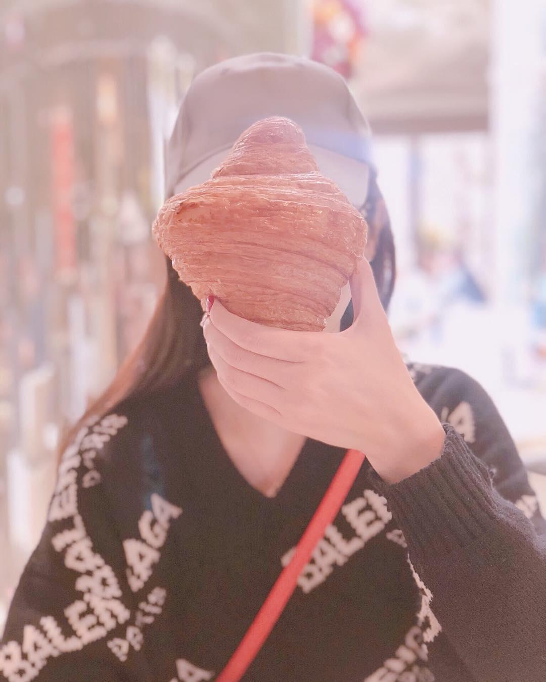 [新闻]180412 美食博主唐嫣更新INS 花式秀美食秀小脸?