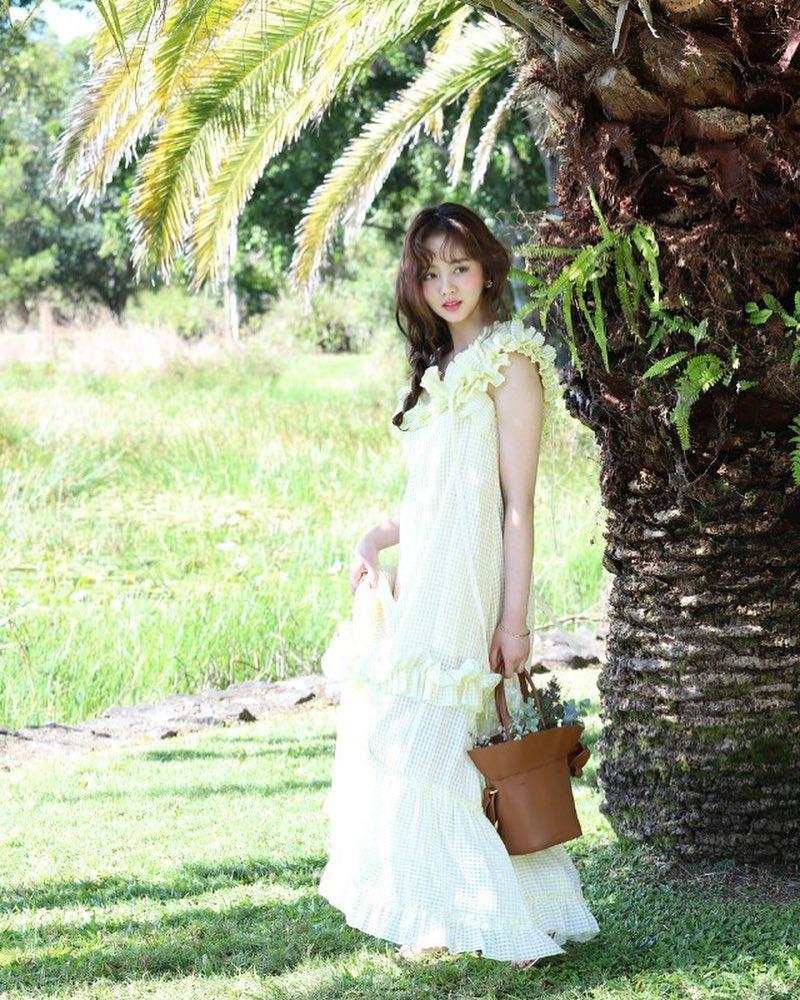 [分享]180527 金所炫最新画报公开 变身拎花少女仙气十足