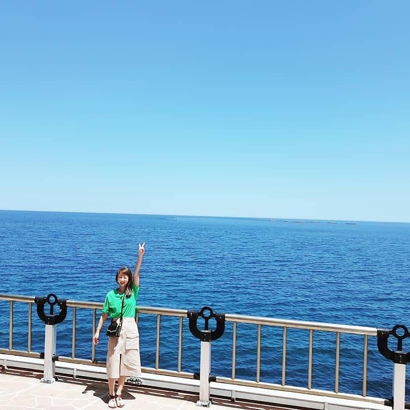 [分享]180621 是夏天啊!慧潾近距离感受大海