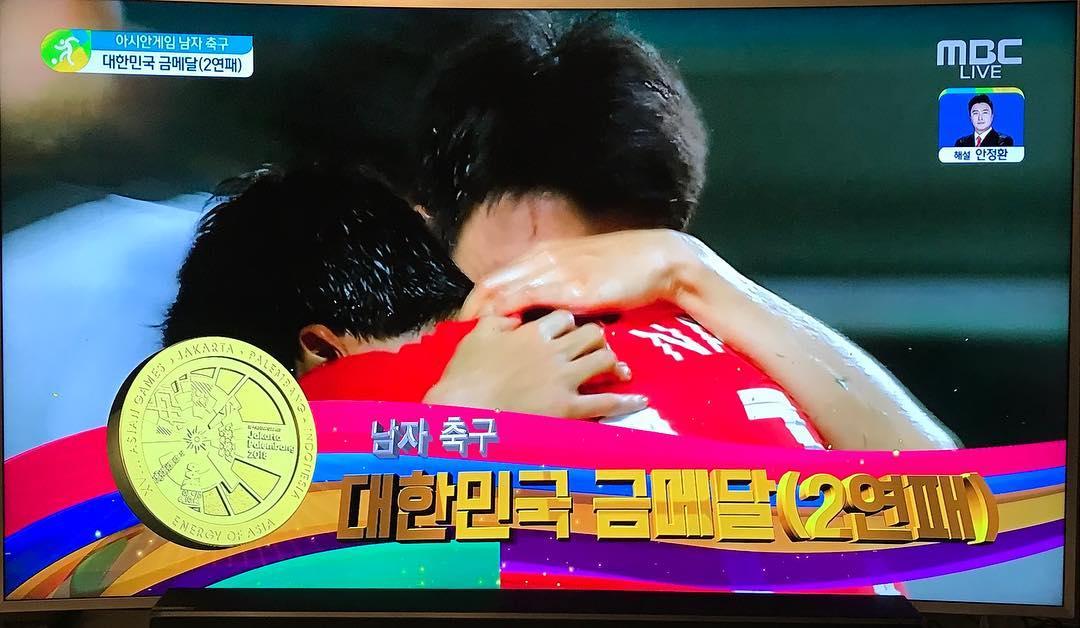 [新闻]180902 运动迷欧尼上线啦!信惠更新INS赞扬韩国足球队