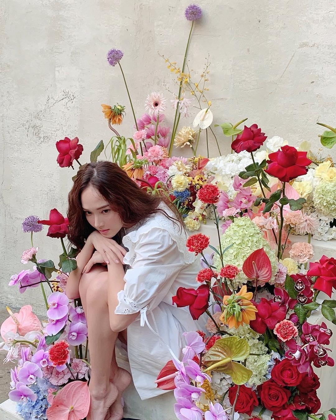 """[分享]190227 Jessica,高冷x优雅魅力...""""鲜花环绕的冷艳妖精"""""""