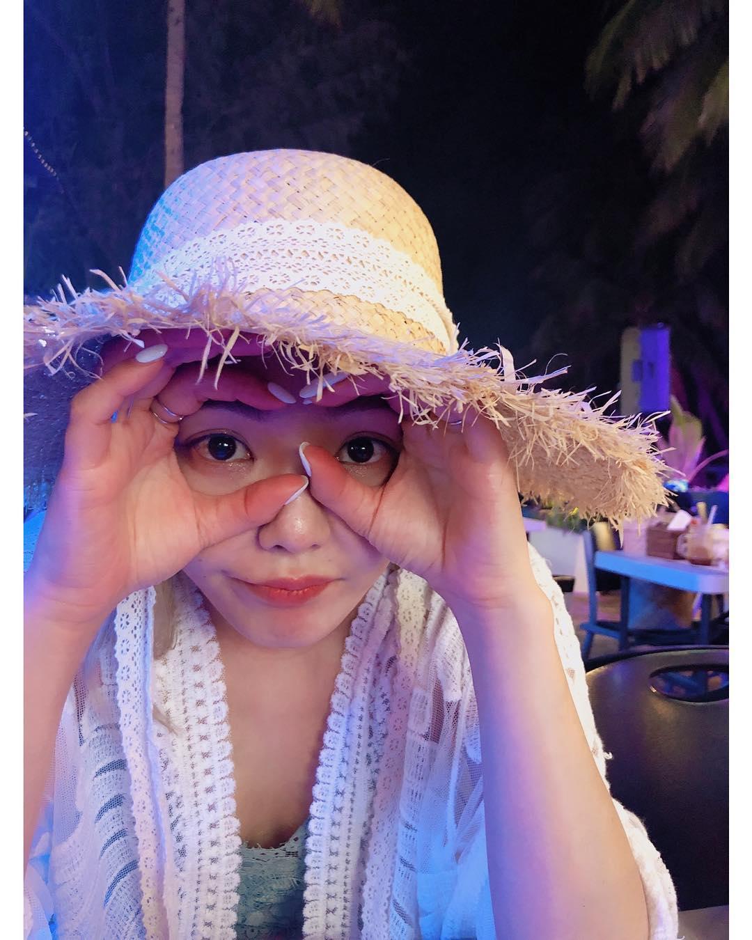 [分享]190424 这假期长得让人慕了 孝渊清凉装出镜十分惬意