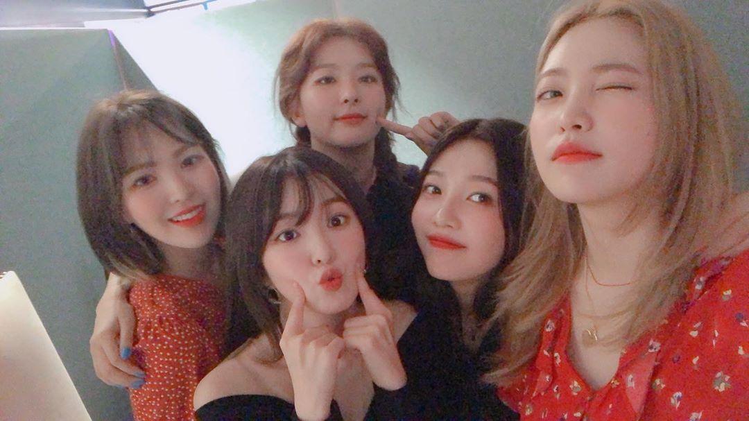 [Red Velvet][分享]190821 RV久违的合影更新 漂亮孩子乘以五倍的美貌