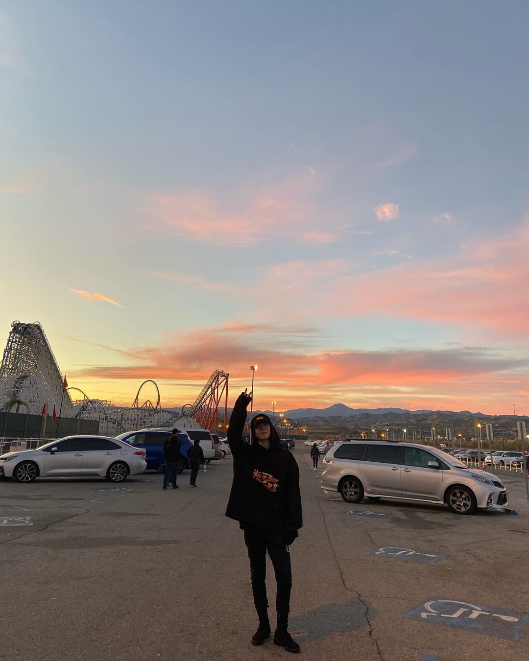 [分享]200121 比天空更好看的是宝贝呀!金有谦分享游客照