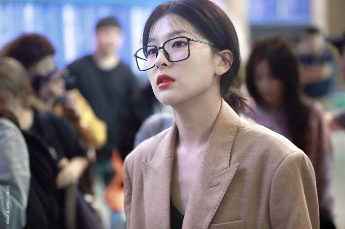 "[Red Velvet][新闻]191009 戴着方形眼镜展现迷人魅力的""秋日女神""涩琪"