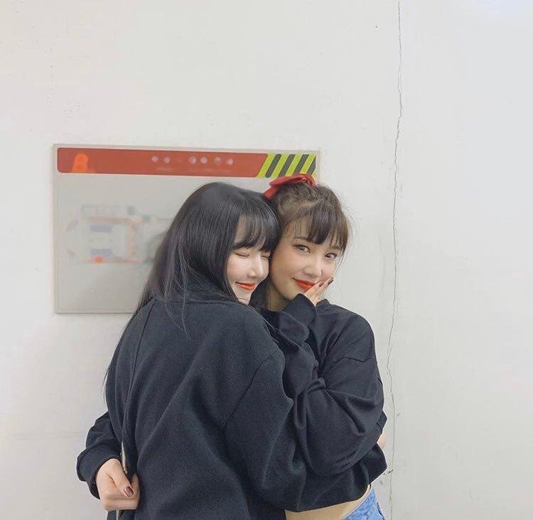 [Red Velvet][分享]191123 甜甜96line,Gfriend艺琳为Joy应援