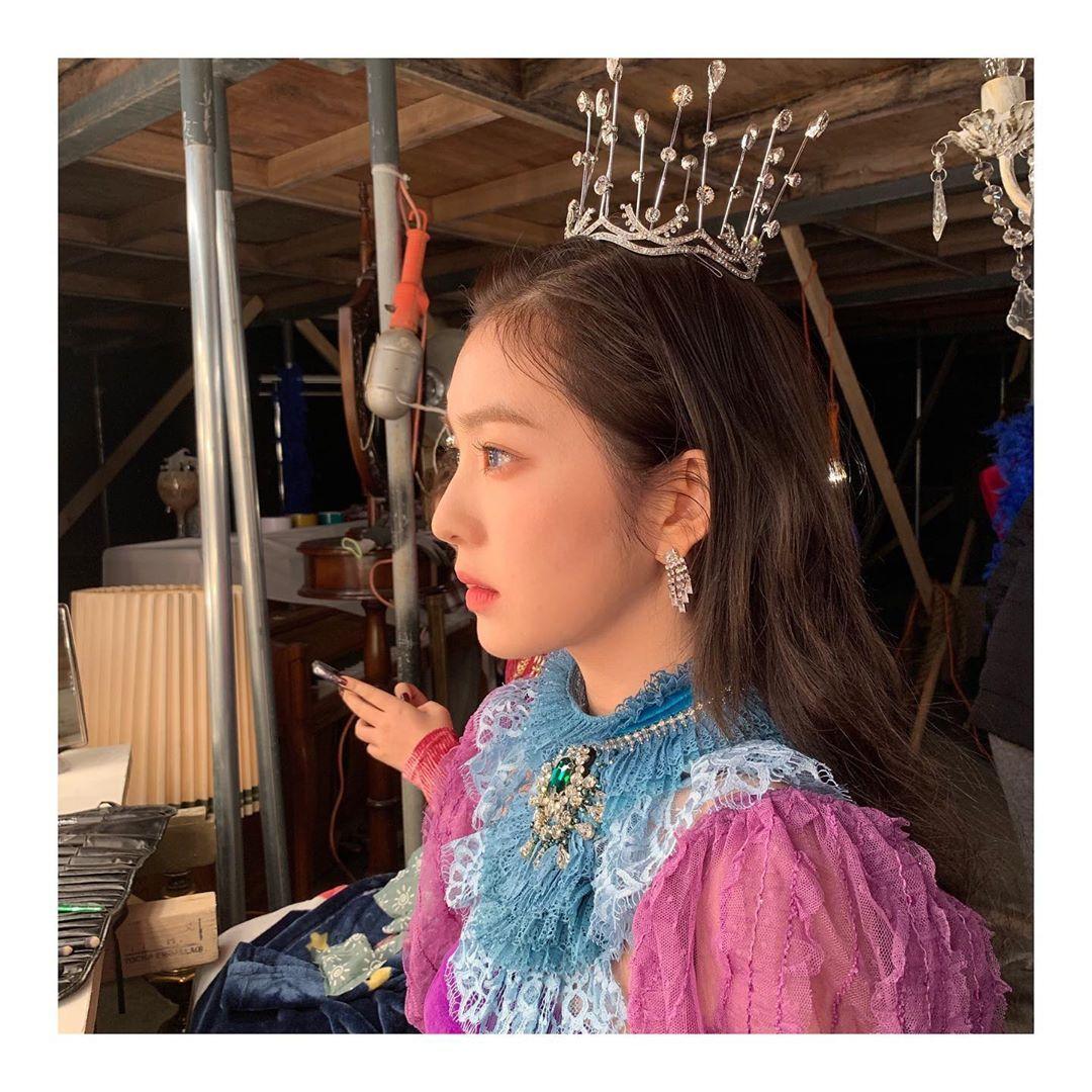 """[分享]200119 """"像公主一样""""Irene更新MV拍摄美照"""